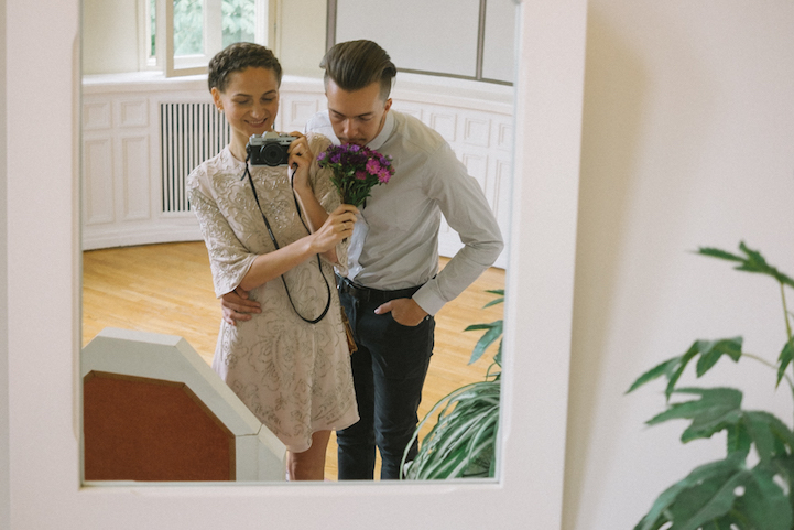 bride-became-a-photographer-at-her-own-wedding-9