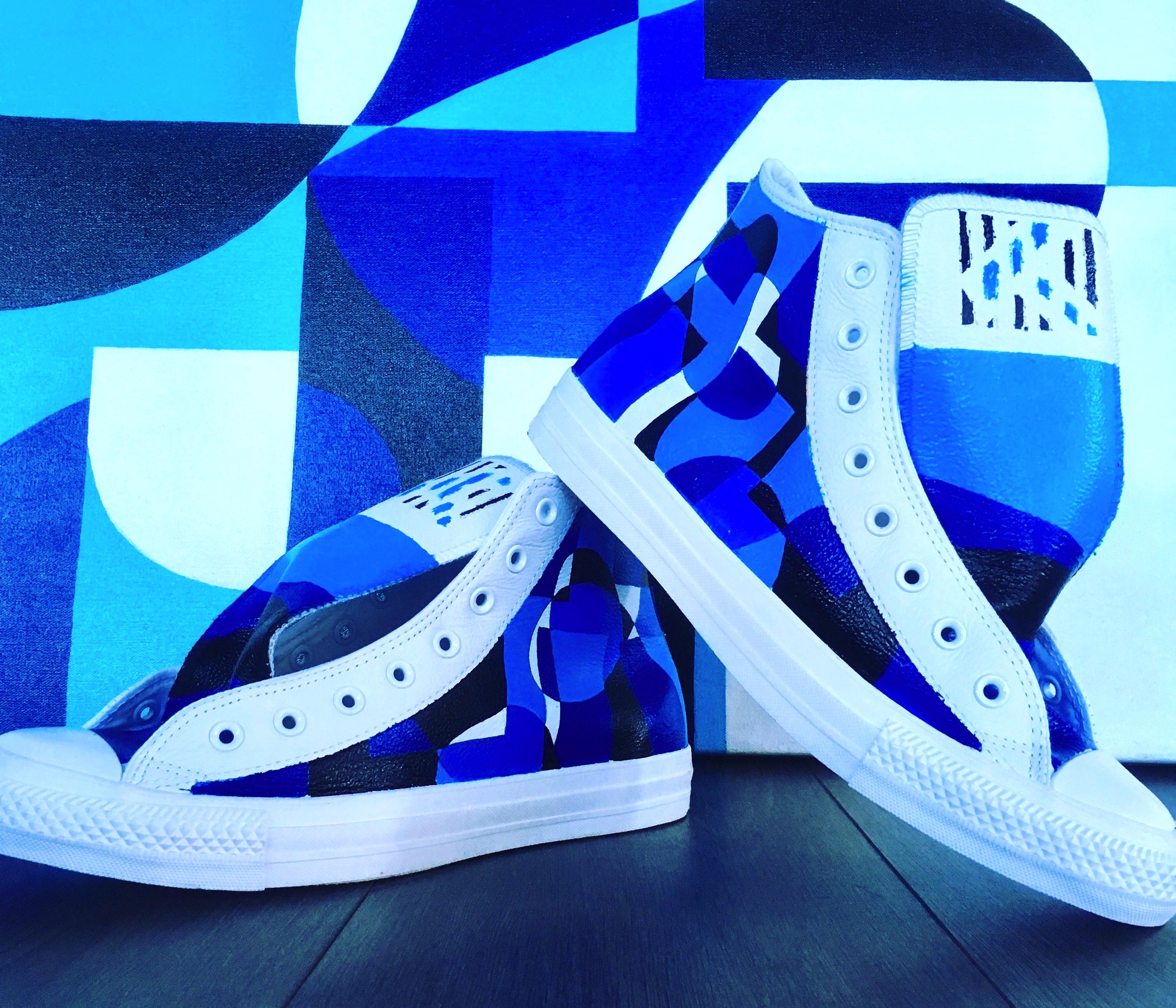 Сustom-дизайн для кроссовок Converse от американского художника Zach Touchon